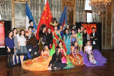 著名造型艺术服装设计师许茗,化妆师周媛媛和高醇芳及电影节工作人员